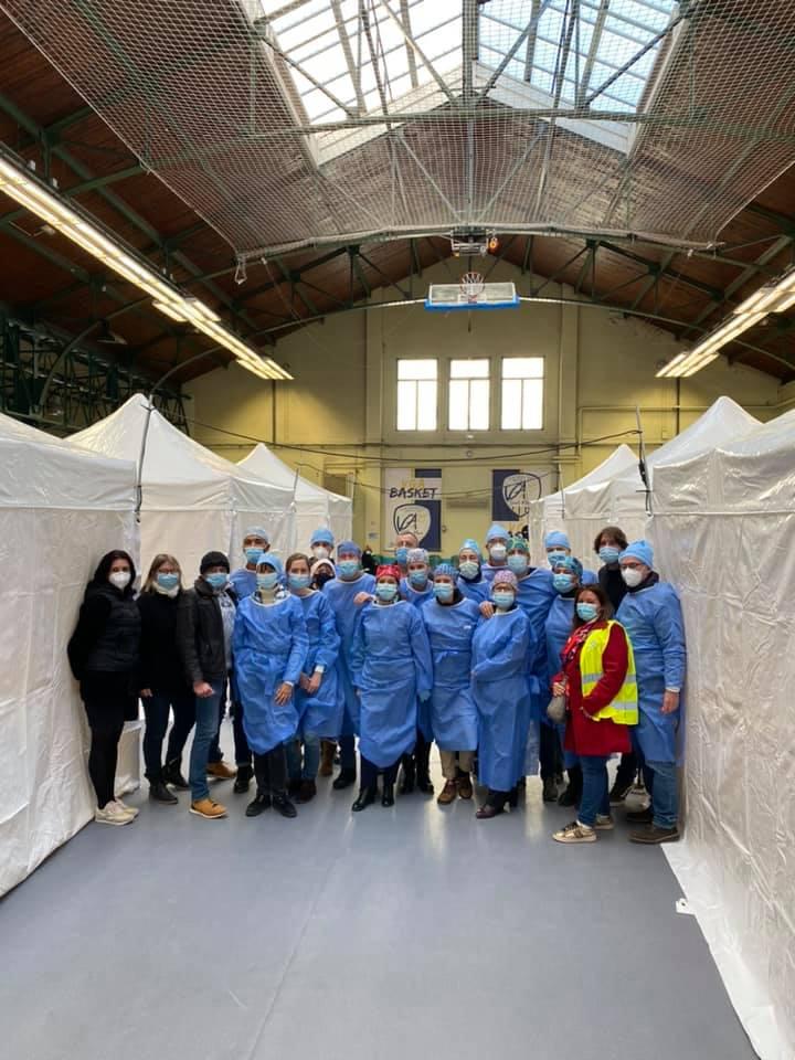 Centre de vaccination et bus mobile de dépistage à Saint-Maur